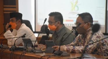 Rapat Pelaksanaan HUT Sulbar ke-16 di Ruang Pertemuan Lantai 2 Kantor Gubernur Sulbar