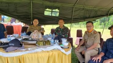 Kepala Dinas Kominfopers Sulbar, Safaruddin pada acara Silaturahmi, Kearifan Lokal, dan Profesional yang dilaksanakan di Makorem 142 Tatag