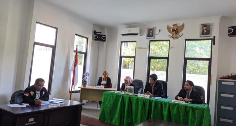 Sidang sengketa informasi antara LSM Amperak selaku pemohon dengan enam (6) desa di Kabupaten Polman