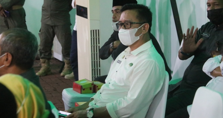 Kepala Dinas Kominfopers, Safaruddin menghadiri Rapat Paripurna